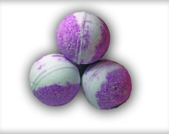 Snuggler scented bath bombs. Cassis, bergamot and cypress. Very comforting.