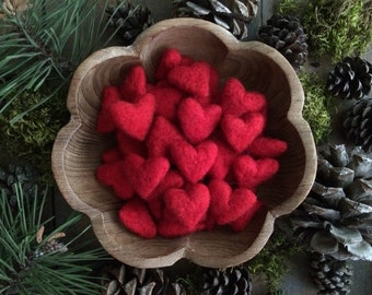 Felted wool hearts, Red, wholesale set of 50, for Valentine's Day decoration, handmade Valentine gift, red felt hearts, shop window display