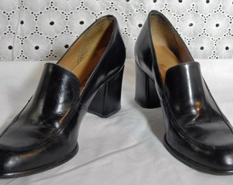 SUPERB Vintage ~BRAZILIAN Black Leather High Heeled Loafers~Made in Brazil Size 8 ~Runs a little Small