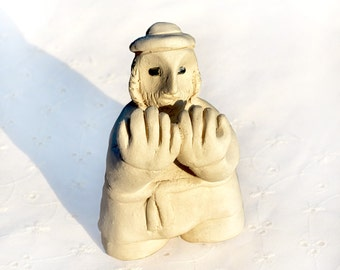 Judaica Figurine. Old Jewish Man Praying. הבדלה Havdalah Blessing. Man Statuette. Small Clay Like Sculpture. Shelf Decor. Home Decor. Israel