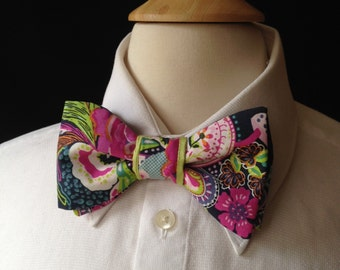 Navy Floral Bow Tie / Country Wedding / Bow Ties Men / Pre-Tied Style Bow Ties / Retro Wedding / Bow Ties Men / Handmade Bow Ties