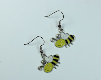 "Earrings - Charming Style - Colored Bumblee ""Buzzing Around"""