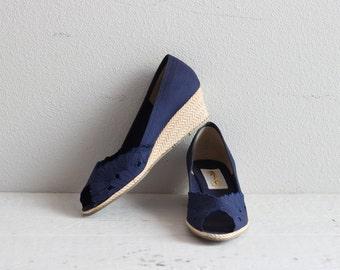Vintage Peep Toe Sandals . Navy Blue Shoes . Peep Toe Wedges . Wedge Shoes