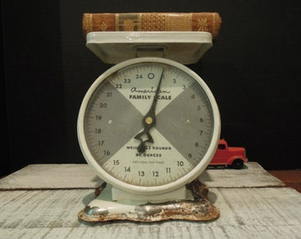 Vintage American Family Scale / Kitchen Scale / 25 Pound Scale / Ounce Scale / Weight Scale / White Rustic Scale / Farmhouse Scale