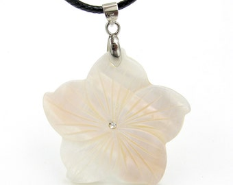 Fashion Jewelry Natural Shell Flower Pendant Necklace 37mm*37mm  T3248