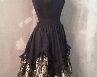 40% OFF Vintage 1980s Black and Gold Lace Skirt M