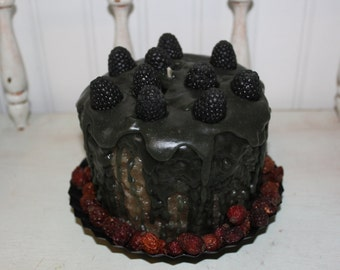 Primitive Huge -BLACKBERRY PIE Scented Grubby Pillar Candle, Star Fluted Metal Pan & Rose Hips OFG Team
