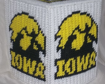 Iowa Hawk Eyes Tissue Box Cover Plastic Canvas Pattern