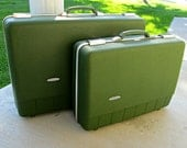 Vintage Avocado Green Suitcase Set by Forecast - Excellent Condition for Display or Adventures - 1 Medium and 1 Large Suitcase