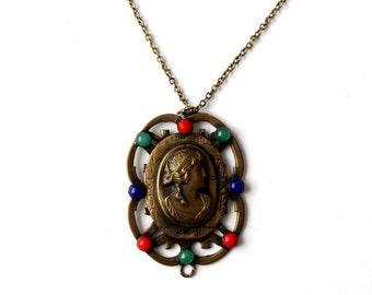 vintage cameo pendant necklace