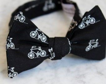 Men's black and white Bicycles bow tie - clip on, pre-tied with strap, self tying