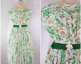 Vintage 1950s Dress / Green Floral / Pleated Skirt / Spring Dress / Medium