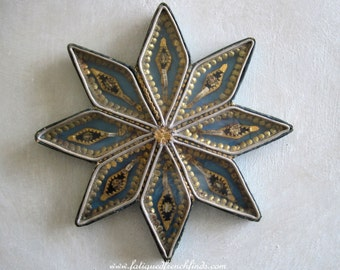 Antique French Religious Star Shaped Paperolle Reliquary 8 Pointed Star Containing 8 Relics