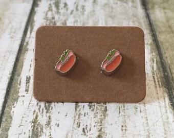 Adorable hot dog earrings