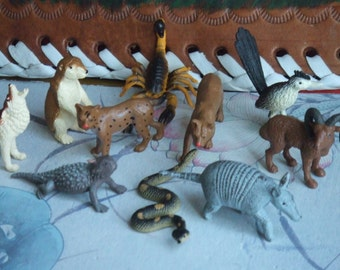 10 Desert Animals. Cake Toppers. Group of 10 Figures. Horned Lizard, Armadillo, Roadrunner and More. Made by Safary Ltd.