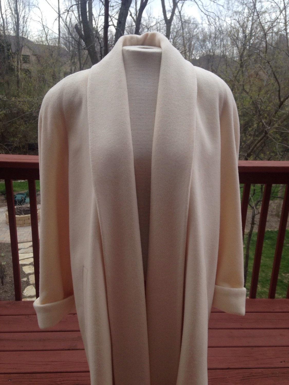 Vintage White Coat 82