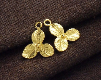 2 of 925 Sterling Silver 24k Gold Vermeil Style flower Charms 13 mm. :vm0620