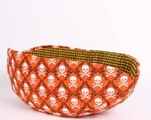 Cat Canoe Cat Bed in Orange and Black Skull and Crossbones. Pirate Cat Bed. Halloween Cat Bed