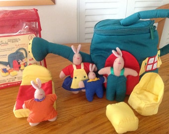 Latitude Enfant Bunny Family and Playhouse