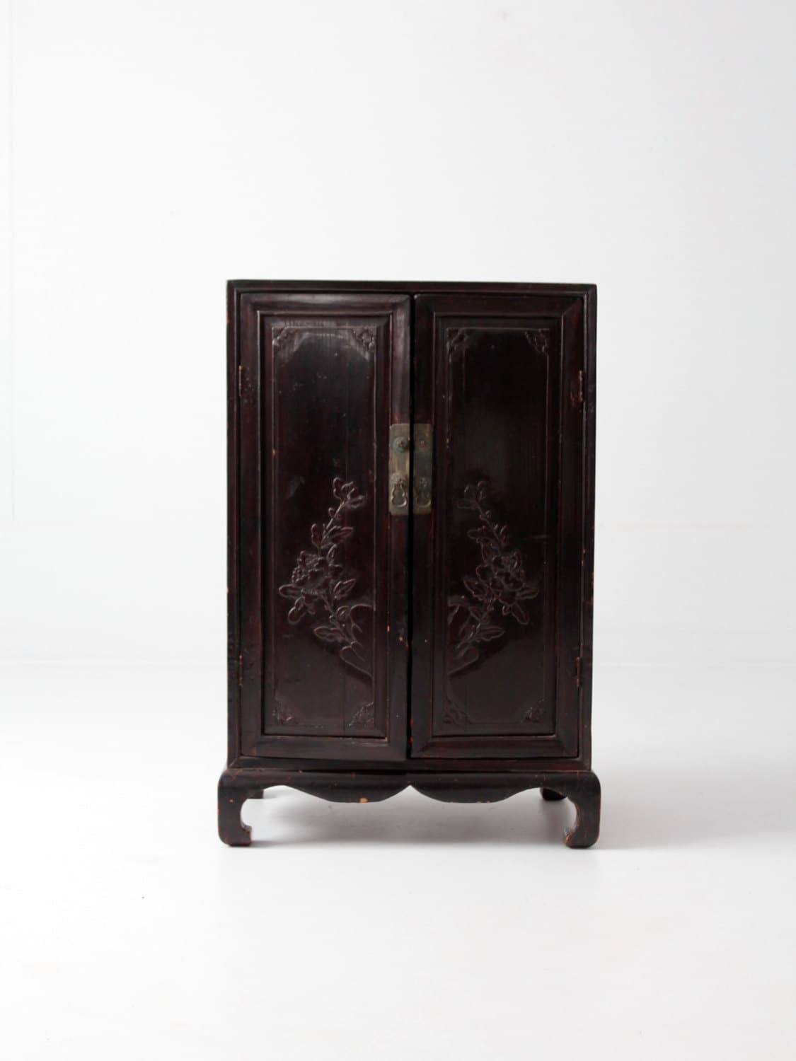 Antique asian cabinet chinese cabinet for Antique asian cabinet