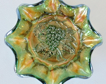 Beautiful Green & Burnt Orange Carnival Glass Scalloped Candy Dish Serving Bowl Grapes And Grape Leaves PERFECT CONDITION