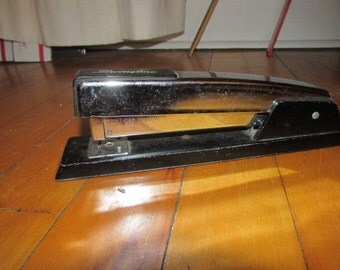 Vintage Swingline No. 4 Office Stapler Metal Chrome on Black Excellent Condition