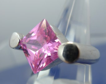 Size 8 Ring : Sterling Silver Modernist Pink Ice in a Very Unique Setting (9904)