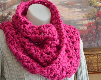 Crochet cowl scarf - Berry pink color - Ready to ship