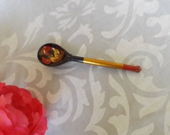 Small Wooden Ukrainian spoon, hand painted. Sparkling.Beautiful.Strawberry.Red ,green gold tone oil painting.  Home decor. Kitchen. Gift.
