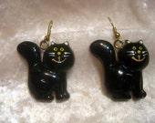 Avon Vintage Black Cat Halloween Painted Pierced Earrings