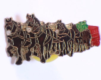 6 Team Horse and Wagon Animal Hat Lapel Pin