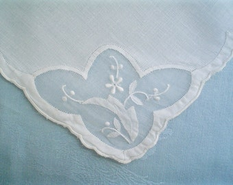 Vintage Madeira Linen Cocktail Napkins with White Flowers Set of Four Luncheon Napkins