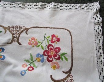 Fabulous Vintage French Hand Embroidered Tablecloth Lace Edge Flowers Embroidery 50 x 58 inches