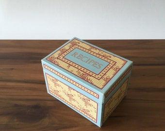French Country Recipe Box with 3 x 5 Recipe Cards, French Blue and Strawberry Pattern, Vintage 1980's Kitchen Decor