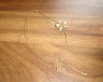 vintage necklace bolo style goldtone chain flower