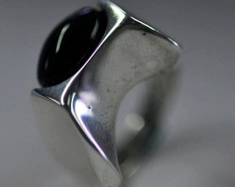 Sterling abstract ring with onyx
