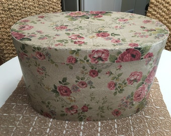 Beautiful Vintage Shabby Cottage Hat Box