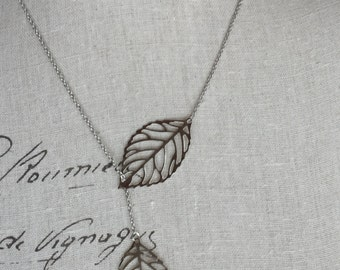 Silver leaf lariat necklace in silver.