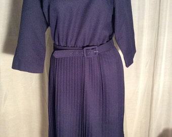 Anthony Richards women 14P blue belted dress with pleated skirt