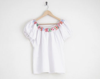 white off shoulder blouse. mexican embroidered blouse. floral embroidered mexican shirt. peasant blouse. boho hippie top. 70s blouse. MD LG