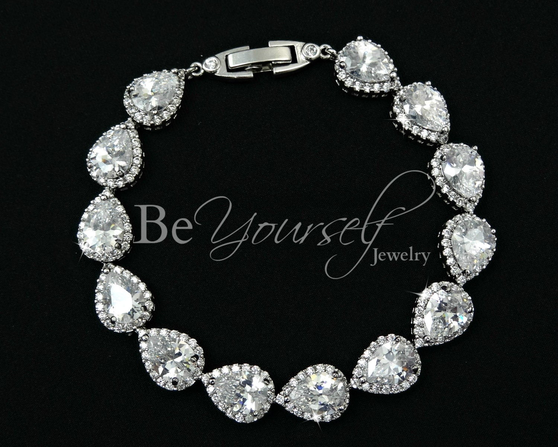 Wedding Bracelet Bridal Bracelet Teardrop Bride Bracelet Wedding Jewelry Cubic Zirconia Bracelet White Crystal Bracelet Bridesmaid Gift