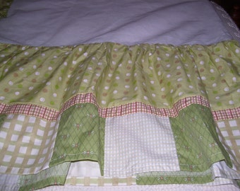 Crib Size Dust Ruffle
