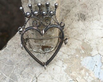 1800s french heart crown brooch