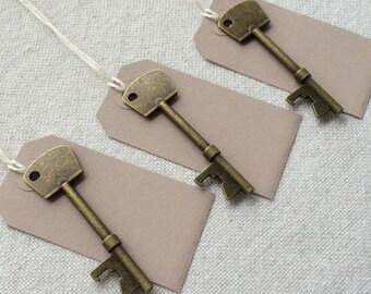 50 Large Antique Bronze Bottle Opener Skeleton Keys & 50 Kraft Tags Wedding Skeleton Keys Escort Card Wedding Favors Wedding Gift Idea
