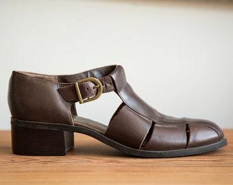 8 1/2 Vintage Westies brown leather 90s sandals with wood stacked heel
