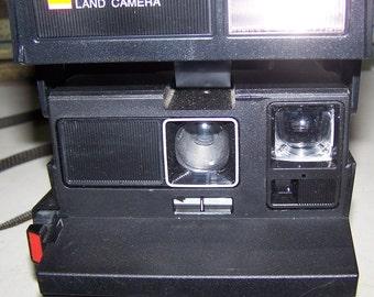 Vintage Polaroid 640 Instant Camera
