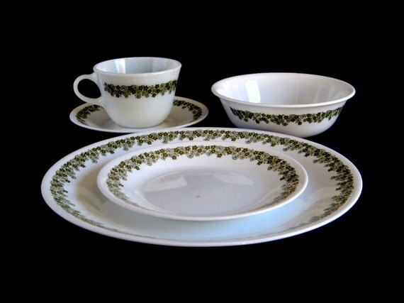 Corelle Crazy Daisy Spring Blossom Dishes Single 5-piece Place Setting