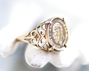 Filigree Sovereign Ring - Sterling Silver Signet Ring Size 7.5 - George V Replica Coin Ring