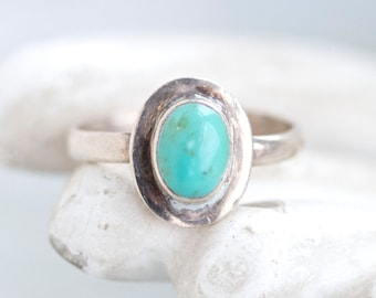 Boho Turquoise in Sterling Silver - Vintage Ring Size 9