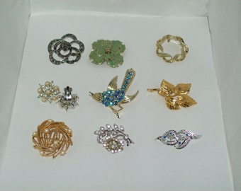 Vintage Brooches & 1pr Faux Pearl clip on Earrings